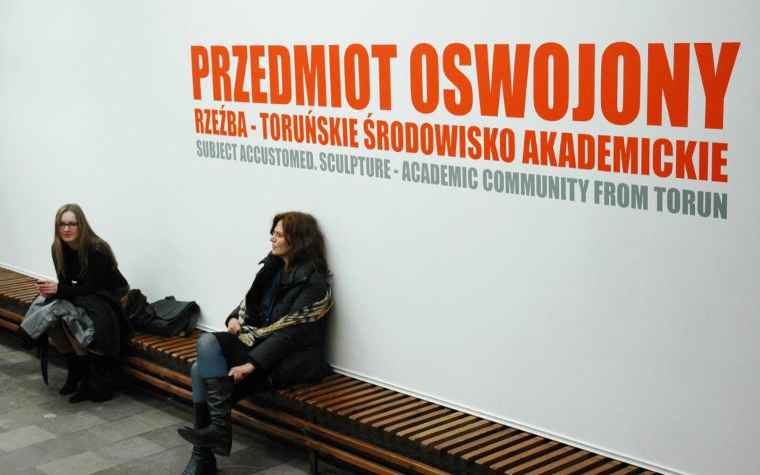 """Wystawa """"Przedmiot oswojony"""" w BWA w Bydgoszczy"""