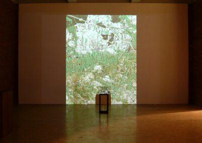 1. Raczyce - wapien, stal, ceramika, cyfrowy zapis obrazu, wym. 120 x70 x 70 cm